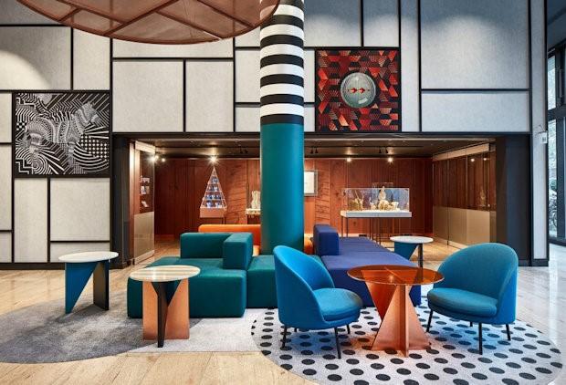 Интерьер отеля Pullman Berlin Schweizerhof