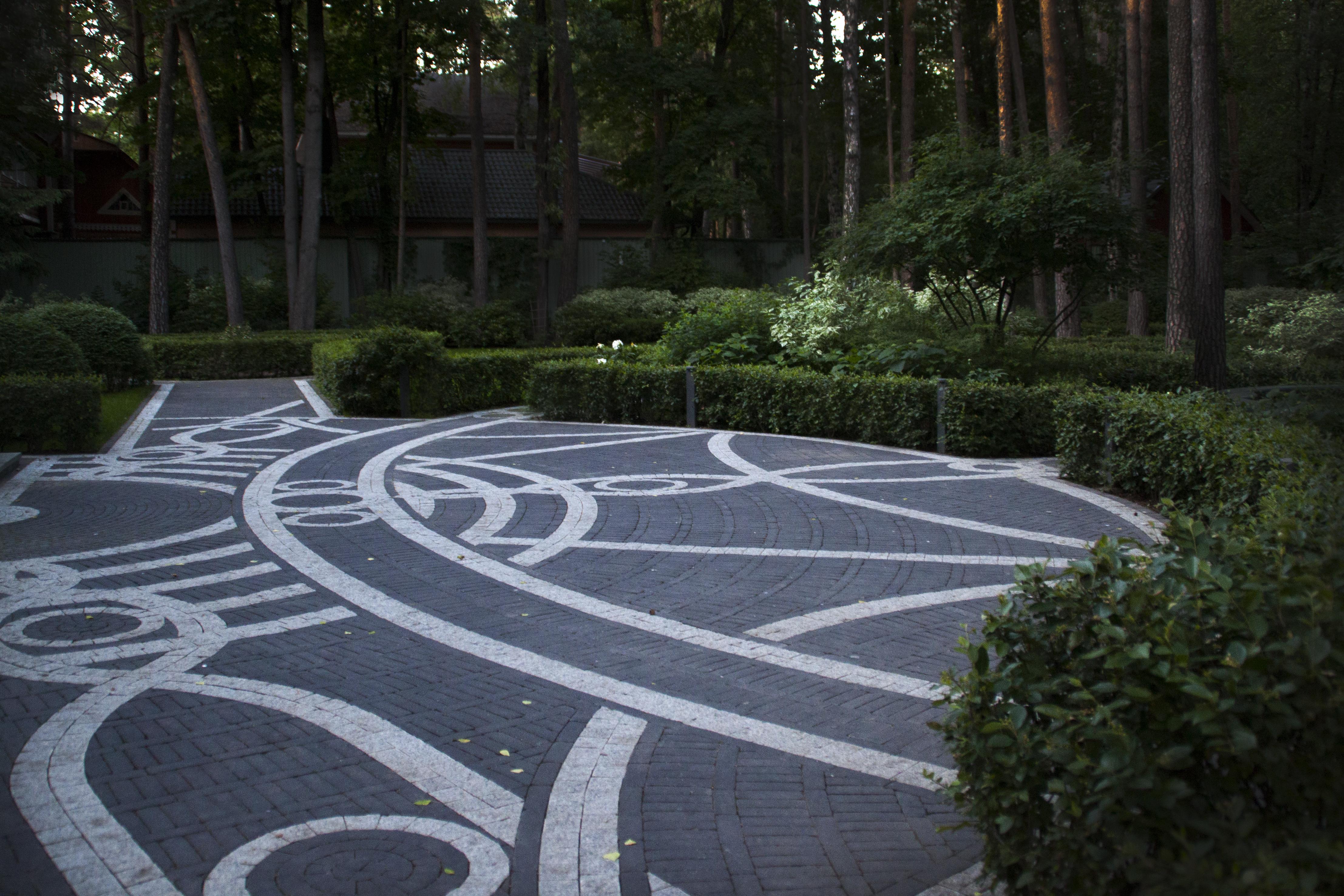 Сад с ландшафтной архитектурой
