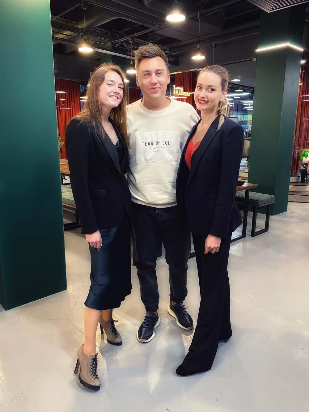 Предприниматель Дмитрий Портнягин с дизайнерами Aliri